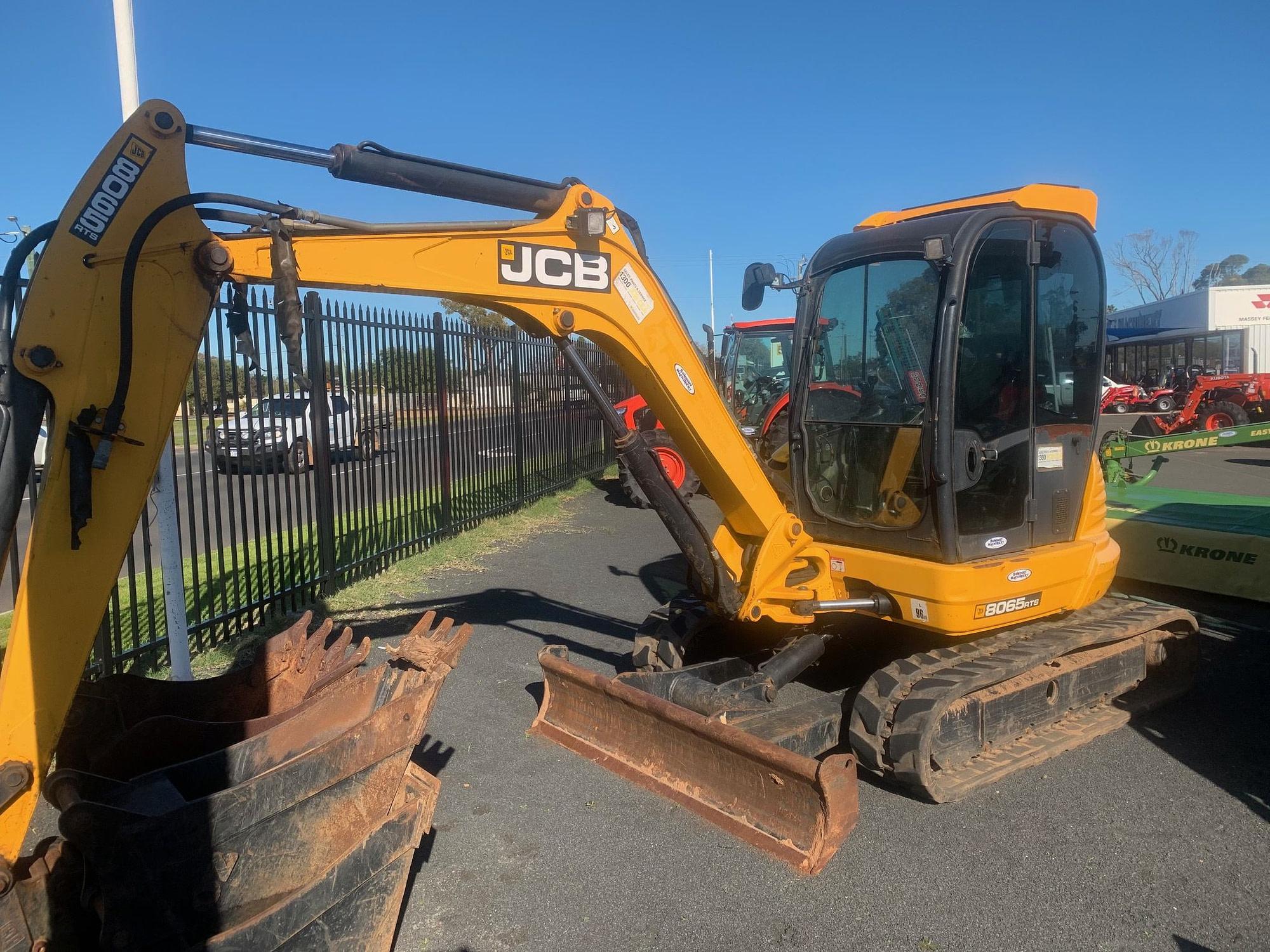 JCB 8065RTS Excavator (BM)