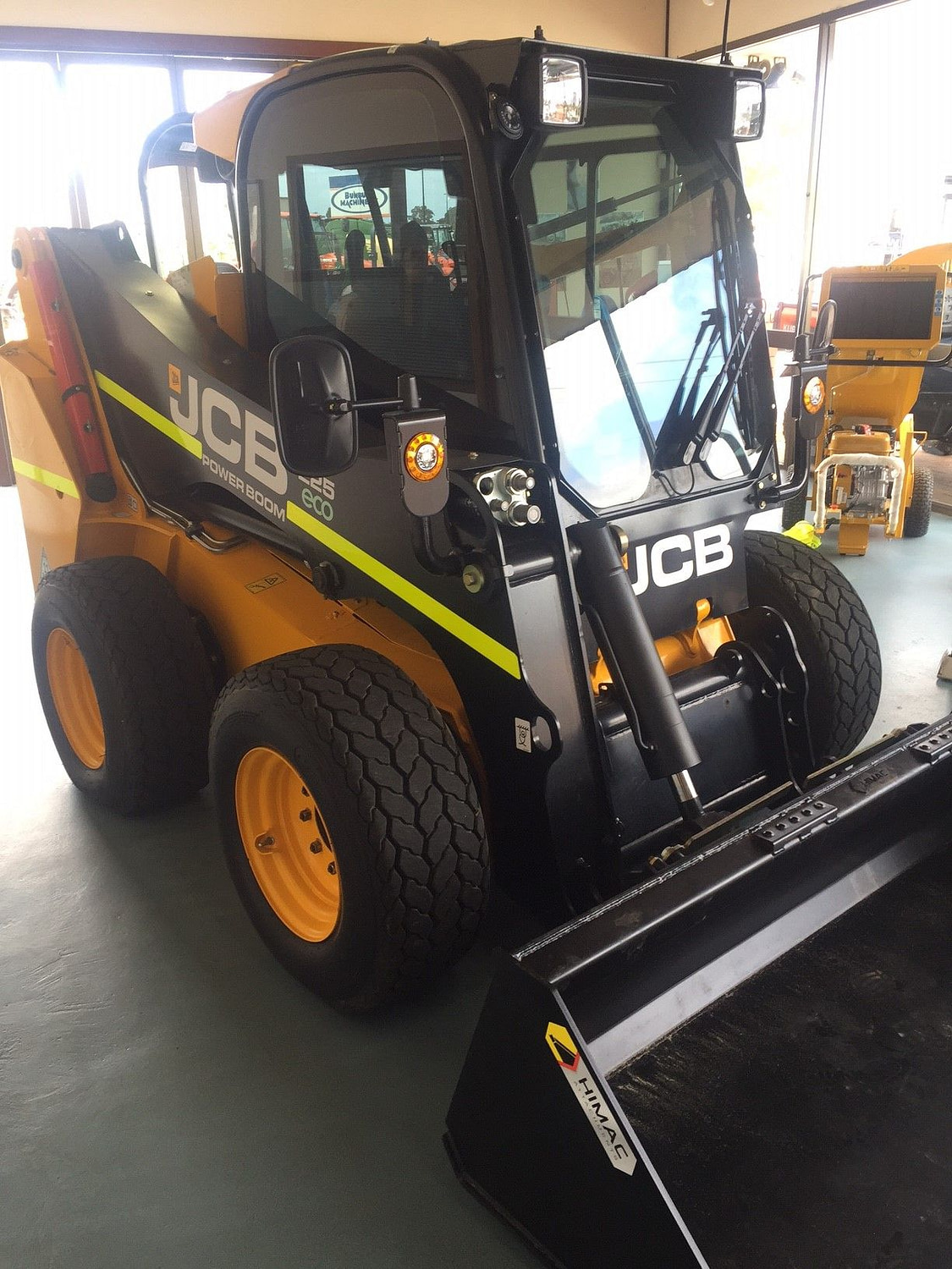 DEMO JCB 225 Wheeled Skid Steer (BM)